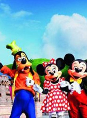 A Trip to Disneyland: First Timers Travel Guide