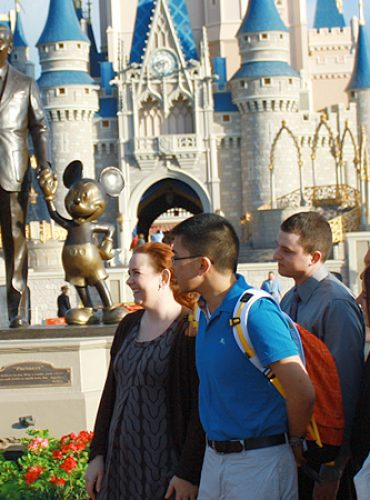 10 ways to save money in Disney world trip