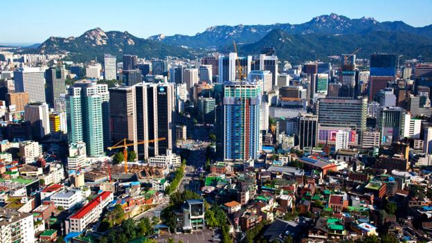 What are the places to visit in the amazing city of Itaewon